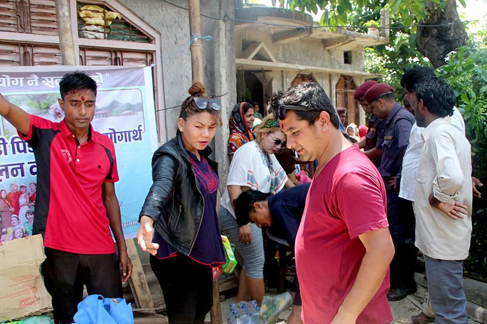 amazone Entertenment - rahat saptari flood artistnepal nava dhungel himani subba kamal khatiwoda (2)