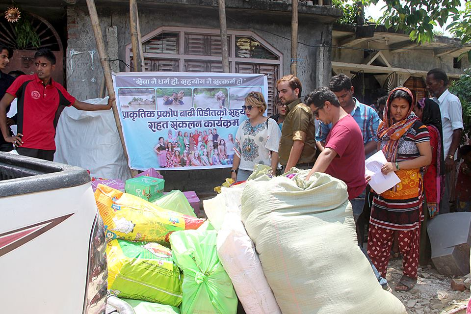 amazone Entertenment - rahat saptari flood artistnepal nava dhungel himani subba kamal khatiwoda (9)