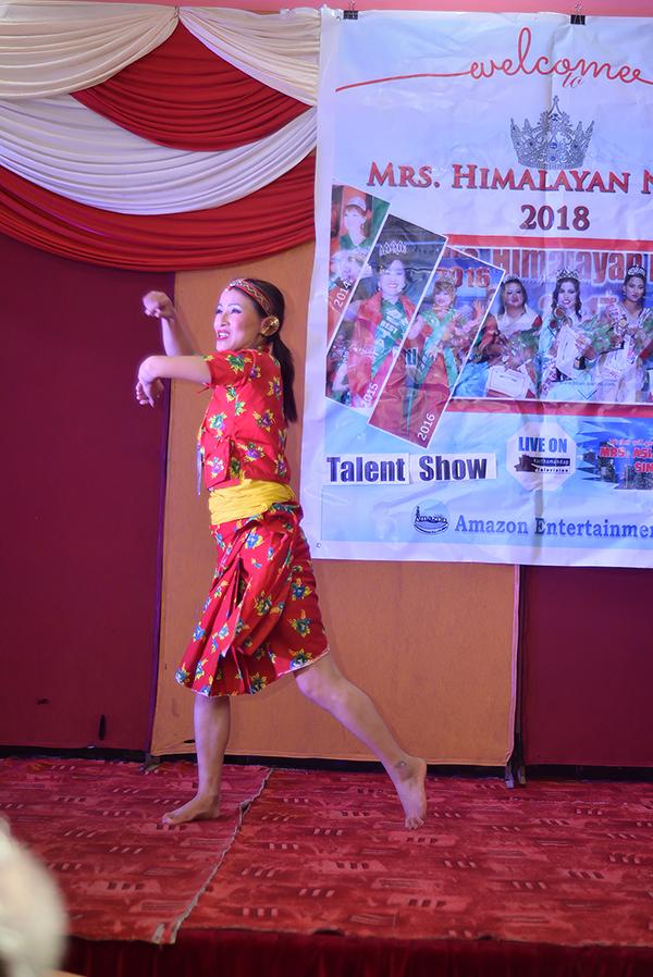 Mrs Himalayan Nepal - talent show 15