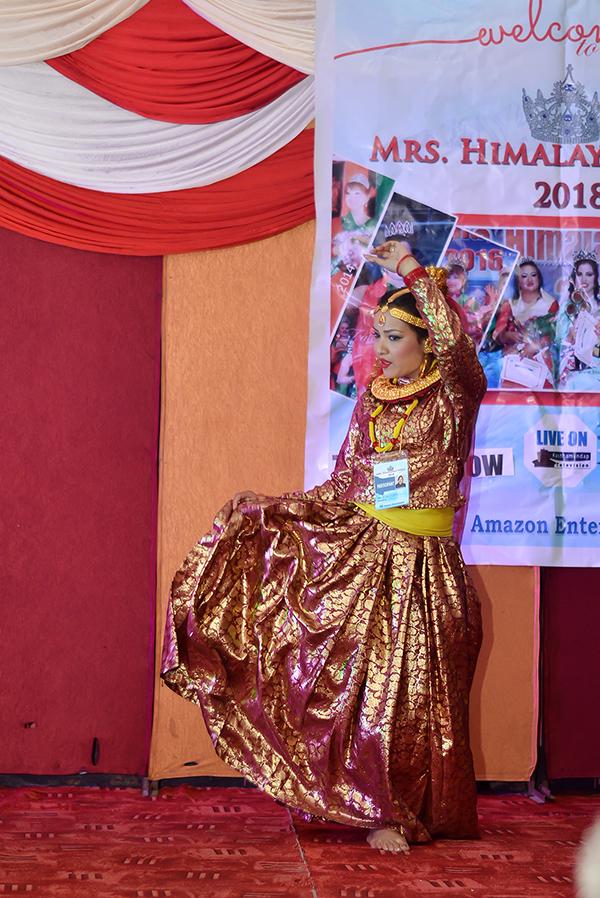 Mrs Himalayan Nepal - talent show 9