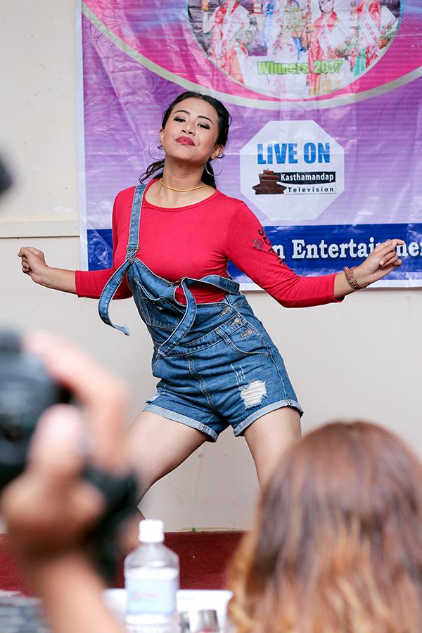 beauty qheen nepal & mrs nepal idol 2018 talent show - amazon entertainment (24)
